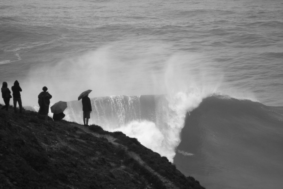 Nazare-Big-Wave-Spectators-Mat-Arney-Feature-992x661